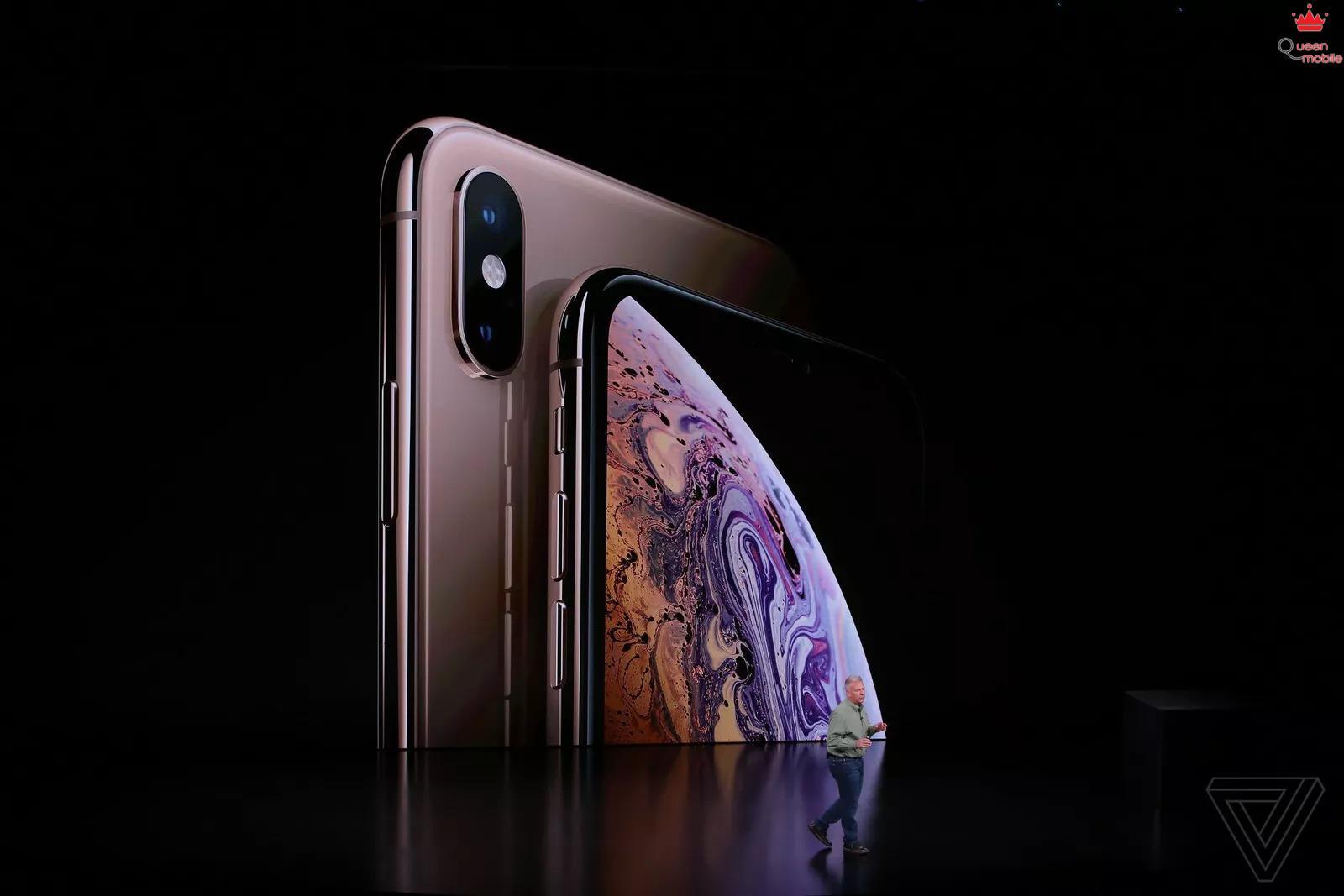 Sforum - Trang thông tin công nghệ mới nhất apple_iphone_2018_event_theverge Apple giới thiệu iPhone XS và iPhone XS Max: Hỗ trợ 2 SIM, chip A12 Bionic, chống nước IP68, bộ nhớ 512GB, màu vàng mới, giá từ 999 USD