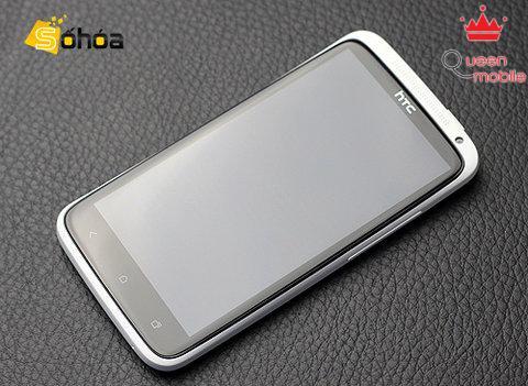 Hình ảnh thực tế về HTC One X. Ấn tượng ban đầu về model mới của HTC là đẹp và khá lạ mắt.