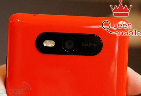 Nokia-Lumia-820-7-jpg[1024083416].jpg