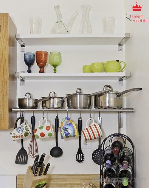 Bạn có thể xếp gọn những chiếc nồi chảo này trên kệ bếp