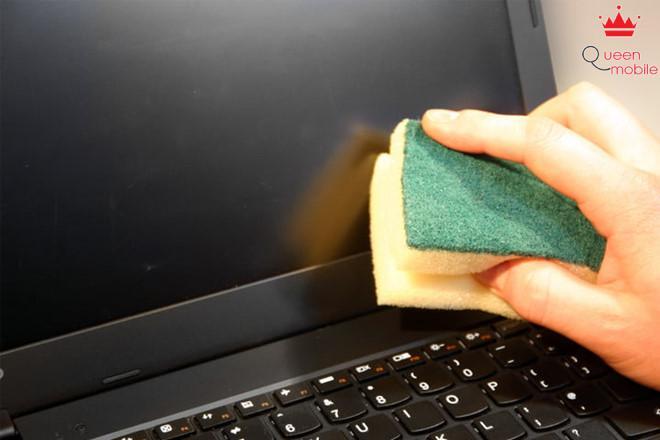 Vệ sinh màn hình máy tính chỉ với 4 bước nhanh chóng, sạch bụi bẩn tức thì