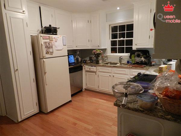Tủ lạnh cần đặt tại nơi bằng phẳng, cách 5cm đối với các bề mặt xung quanh
