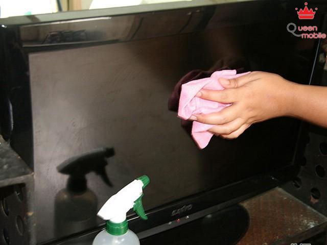 Cách loại bỏ vết xước trên màn hình tivi