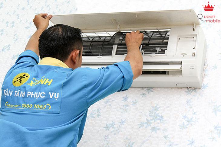 Vệ sinh máy lạnh thường xuyên: