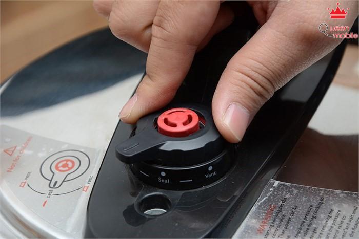 Van xả an toàn của nồi áp suất điện tử Philips HD2103, 5.0 lít
