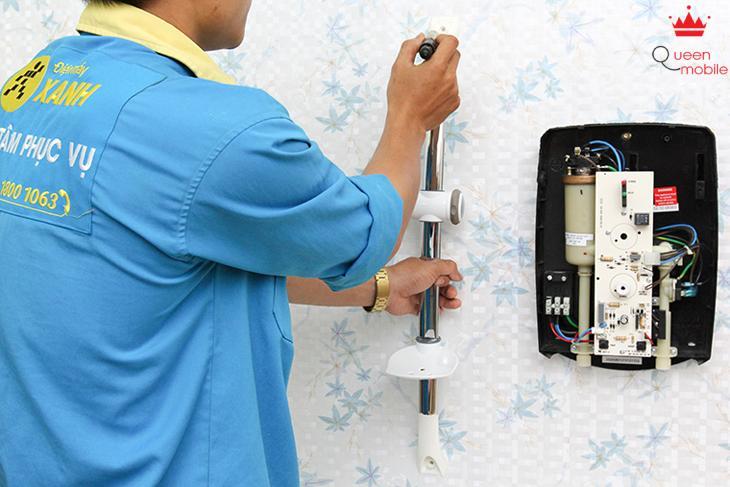 Lắp vòi sen lên tường