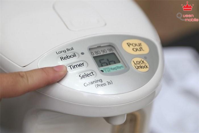 Bình thủy điện Panasonic NC-BH30PCSY 3 lít có đầy đủ chức năng: đun sôi, giữ ấm, tự đun sôi lại, hẹn giờ giữ ấm với nhiều mức nhiệt