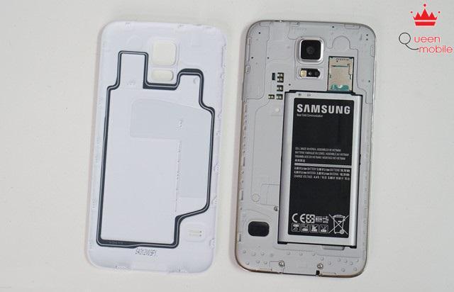 Chọn mua smartphone vỏ nhựa hay kim loại