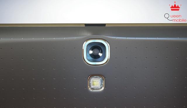 Samsung Galaxy Tab S vs Apple iPad