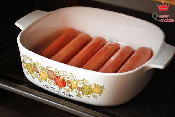 Cách làm món xúc xích bọc bột nướng bằng lò nướng