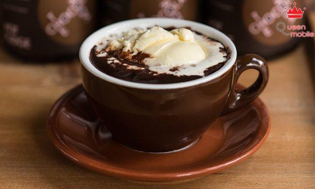 Sôcôla nóng thơm ngon hơn khi thêm kem sữa béo