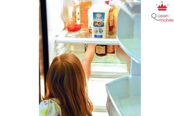 Tập thói quen giữ vệ sinh tủ lạnh cho trẻ