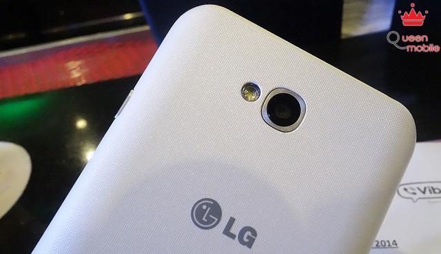 LG L70 được trang bị camera 5.0MP và đèn Flash LED phía sau