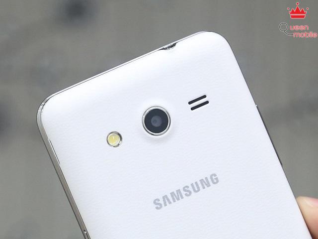 Samsung Galaxy Core 2 có camera chính 5.0MP cùng đèn Flash trợ sáng