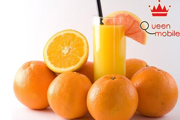 Trong cam chứa rất nhiều vitamin C