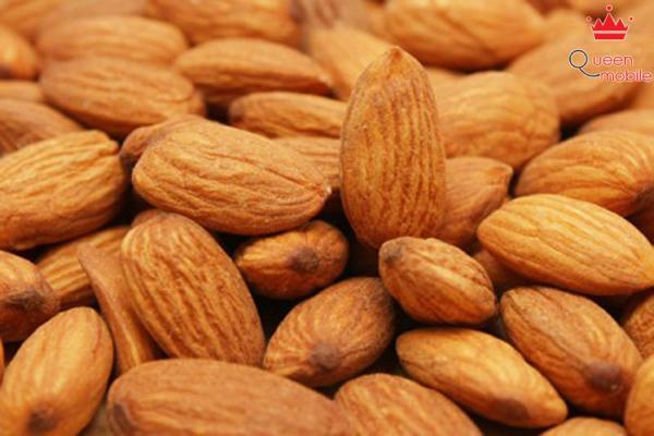 Quả hạnh nhân cung cấp nhiều vitamin E chống lão hoá