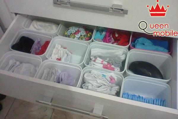 Biến ngăn tủ thành nhiều ngăn nhỏ dễ sắp xếp các vật dụng