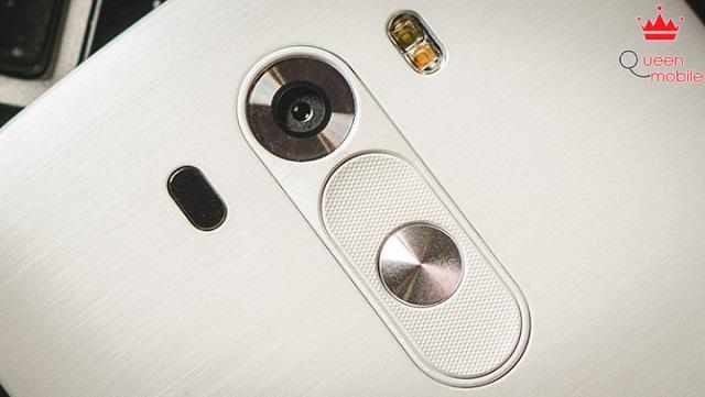 Camera với công nghệ lấy nét laser siêu nhanh