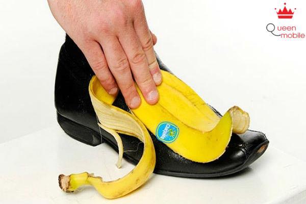 Vỏ chuối giúp vệ sinh đôi giày của bạn