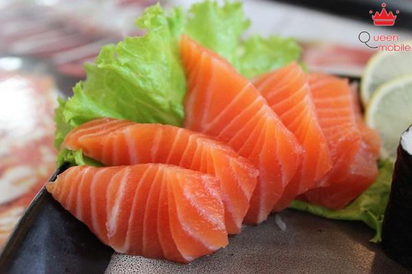Cá hồi rất giàu axit béo omega 3