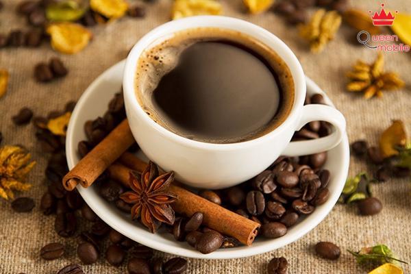 Cà phê đen tăng cường lượng calo đốt cháy giúp giảm cơn đói