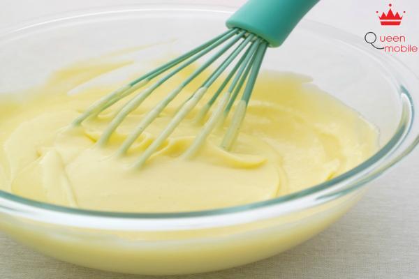 Tự làm sốt mayonnaise chỉ với trứng gà và dầu ăn
