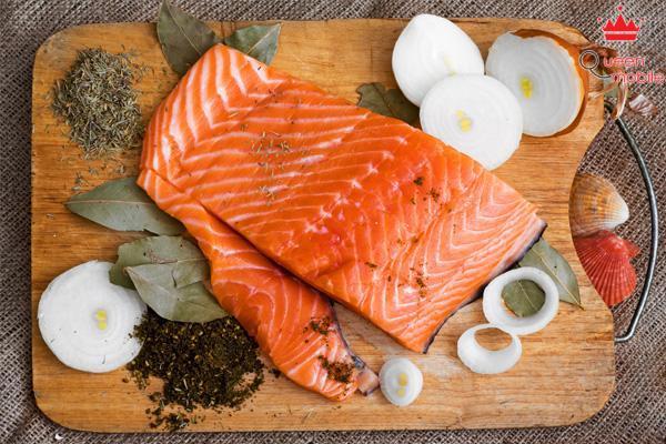 Sử dụng gia vị có mùi thơm để cá thơm ngon hơn rất nhiều