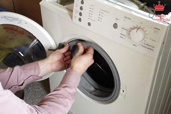 Lồng giặt là một trong những bộ phận quan trọng cần kiểm tra kỹ.