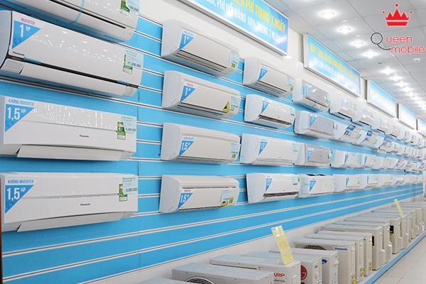 Thay vì chọn hàng đã qua sử dụng ở các cửa hàng nhỏ lẻ bên ngoài, bạn có thể chọn đến khu vực hàng đối trả ở các siêu thị điện máy.