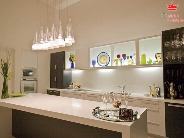 Bổ sung thêm đèn nếu căn bếp của bạn không gần cửa sổ