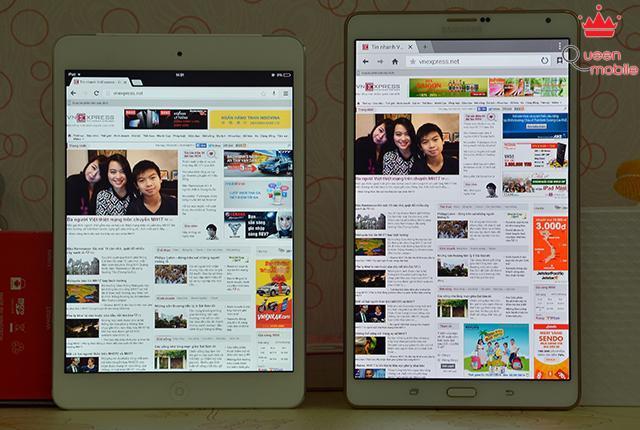 Màn hình của Galaxy Tab S hiển thị nhiều nội dung hơn, tuy nhiên của iPad Mini Retina lại rộng rãi hơn