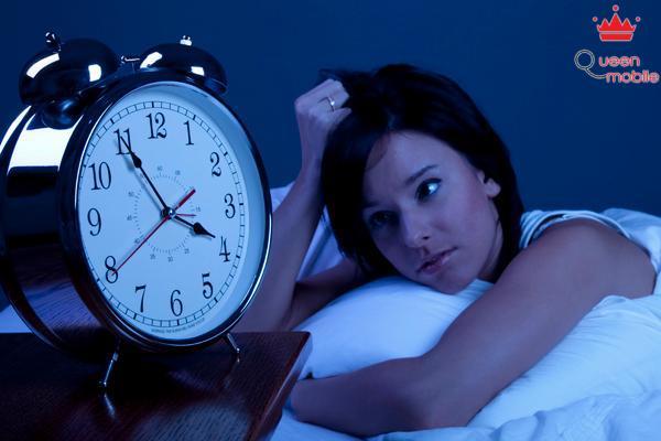 Nhiều người trẻ đã sớm bị bệnh mất ngủ vì áp lực công việc.