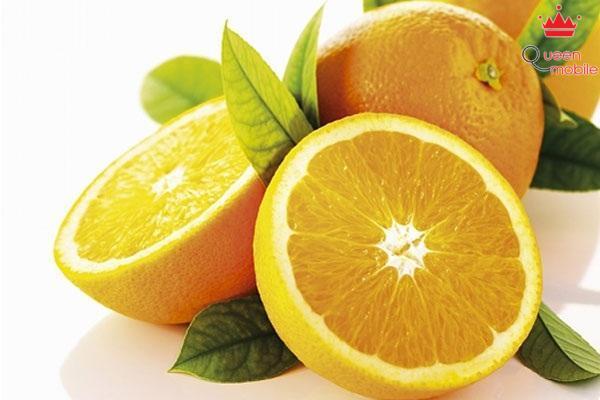 Ăn cam và quýt lúc đói có thể dẫn đến ợ chua, ói mửa