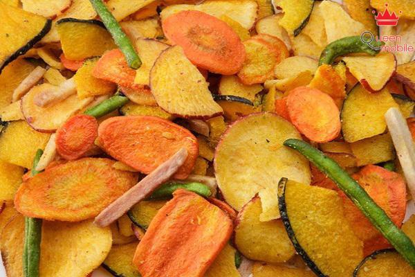 Trái cây sấy là món ăn vặt lành mạnh