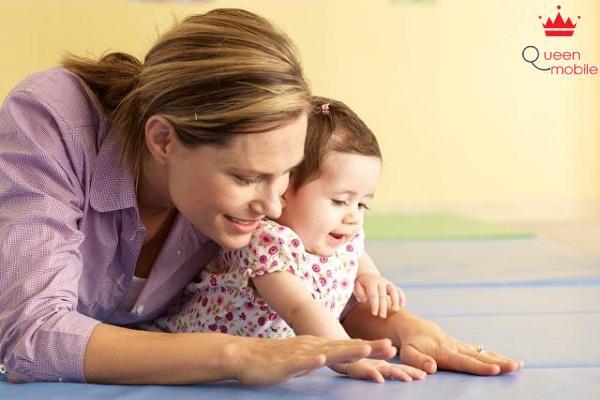 Chơi với trẻ nhỏ có thể giúp bạn đốt đi nhiều mỡ thừa hơn bạn tưởng