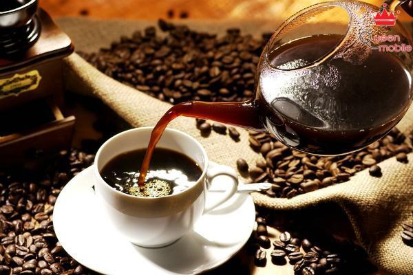 Uống cà phê vào buổi sáng là một thói quen không tốt