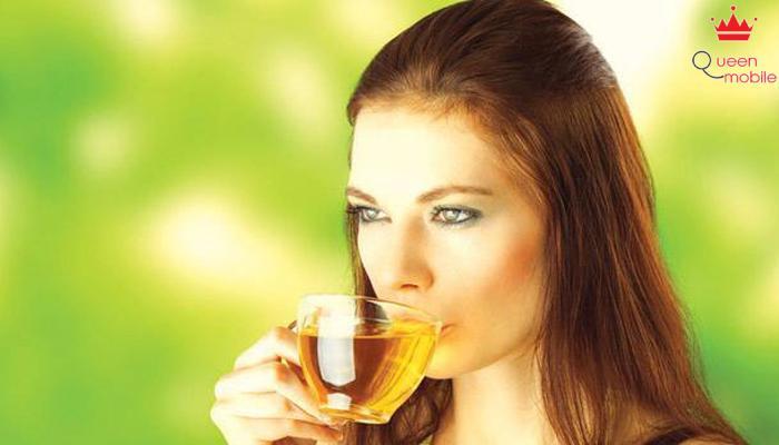 Uống trà thảo dược để trị hôi miệng