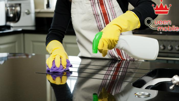 Không nên sử dụng một loại chất tẩy rửa để vệ sinh tất cả các vật dụng