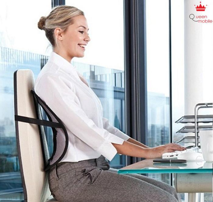 Ngồi thẳng lưng trong lúc làm việc sẽ hiệu quả hơn