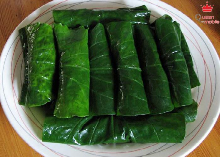 Chả lá lốt chay là một món ăn chay lạ bởi sự kết hợp của lá lốt và đậu phụ