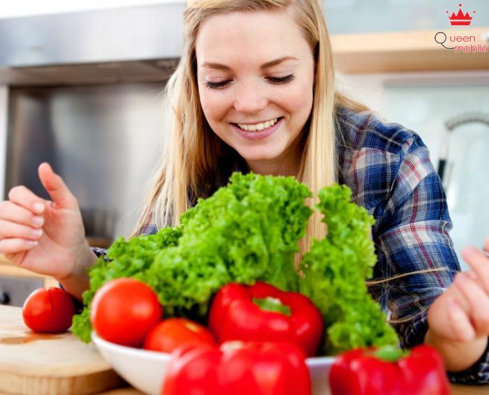 Bổ sung nhiều rau xanh cho thực đơn hằng ngày để tăng cường thêm Vitamin và chất xơ
