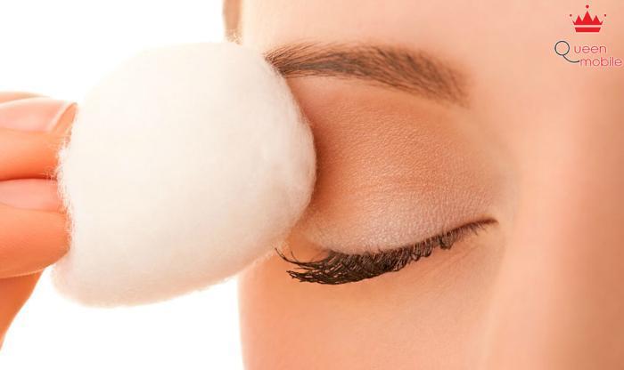 Dùng sữa để tẩy trang và trị mụn cho làn da nhạy cảm