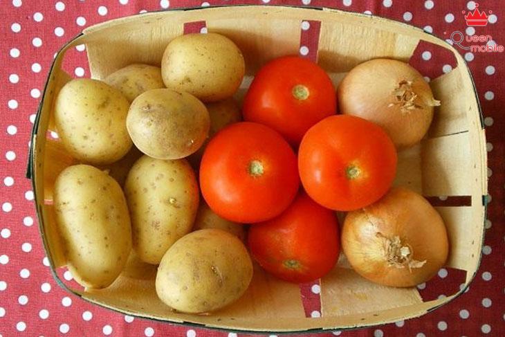 Mặt nạ cà chua và bột khoai tây