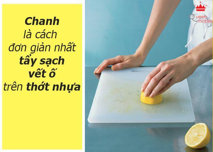 Chanh có thể tẩy sạch vết ố trên thớt nhựa