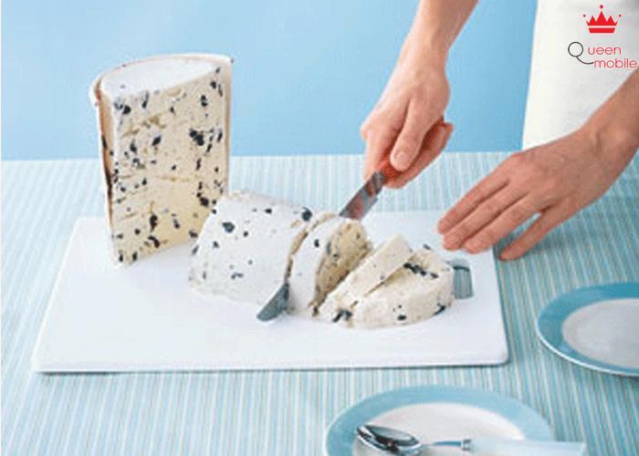 Dọn món kem vô cùng đơn giản với những lát cắt bằng dao