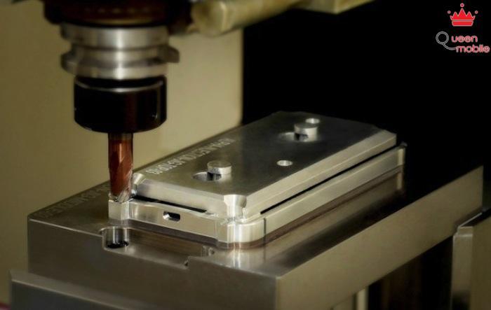 Khám phá quy trình chế tạo bộ khung kim loại của Galaxy Alpha