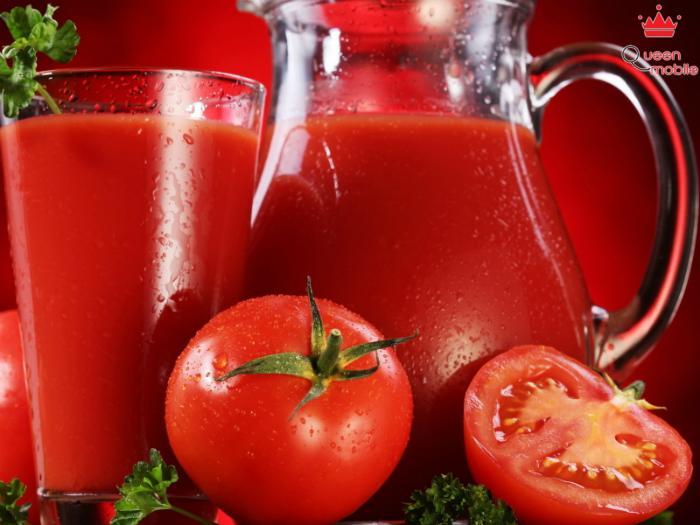 Trộn lẫn nước ép cà chua với sữa tươi để có hỗn hợp chăm sóc da
