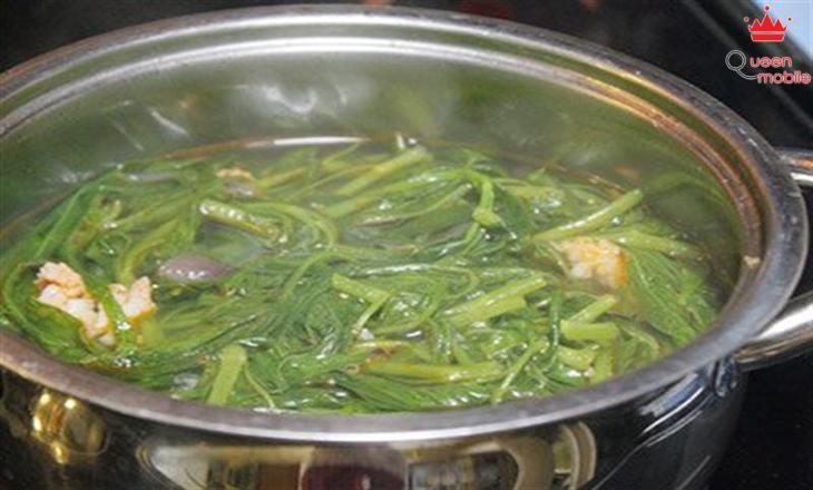 Canh chua rau muống nấu chay cực chuẩn, thanh đạm mà vẫn ngon cơm