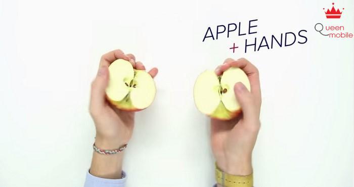 Bổ đôi táo… bằng tay