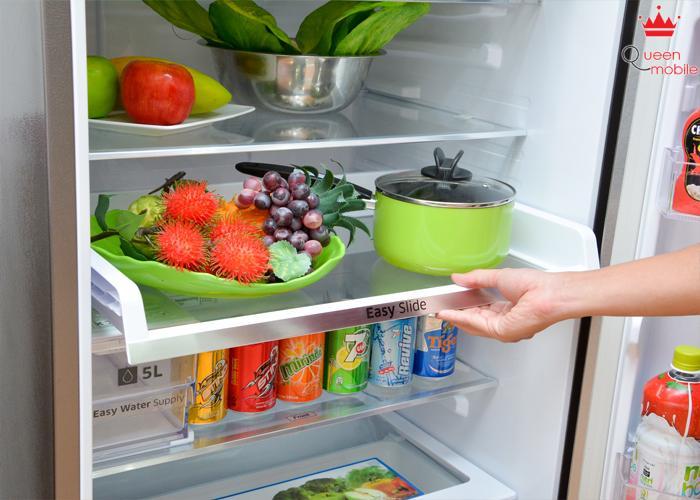 Khay trượt giúp dễ dàng lấy thực phẩm bên trong